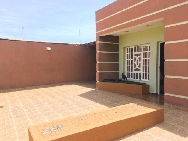 Casa Falcon>Punto Fijo>Los Caciques - Venta:37.800 Precio Referencial - codigo: 20-1865