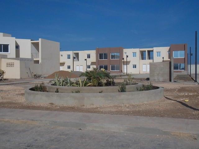 Townhouse Falcon>Punto Fijo>Puerta Maraven - Venta:45.000 Precio Referencial - codigo: 20-1886