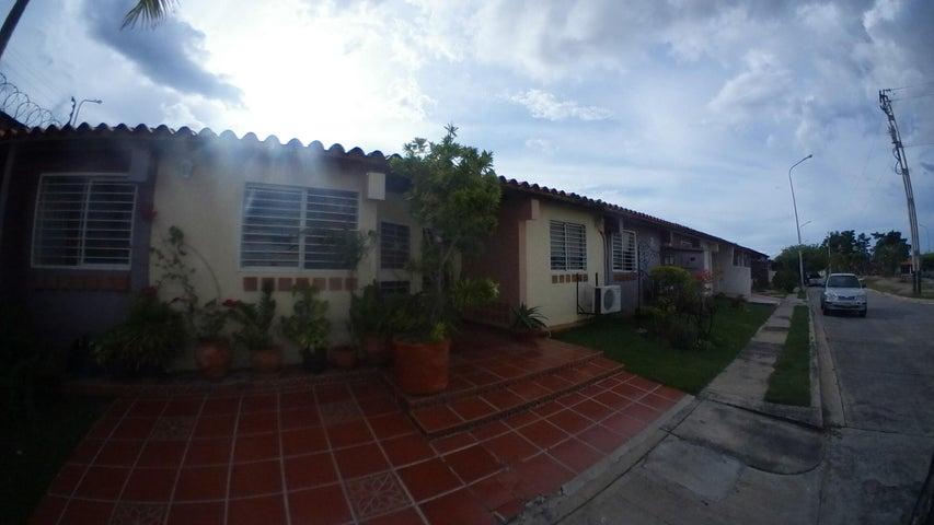 Casa Lara>Cabudare>Parroquia Cabudare - Venta:40.000 Precio Referencial - codigo: 20-1988