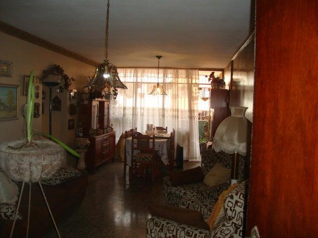 Apartamento Lara>Barquisimeto>Zona Este - Venta:25.000 Precio Referencial - codigo: 20-2017