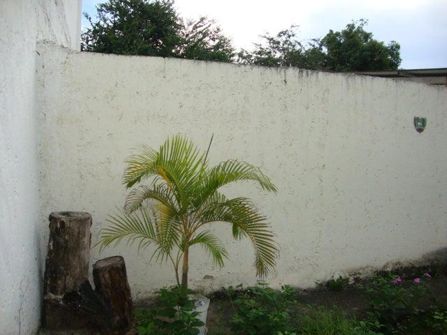 Terreno Lara>Cabudare>Parroquia Cabudare - Venta:7.000 Precio Referencial - codigo: 20-2286