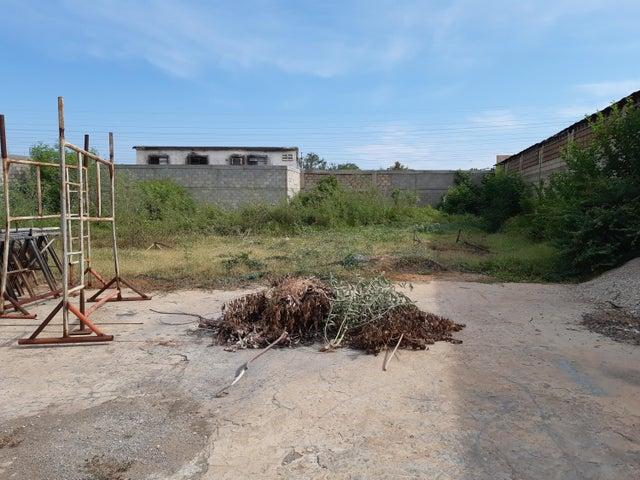 Terreno Zulia>Maracaibo>Los Haticos - Alquiler:700 Precio Referencial - codigo: 20-2359
