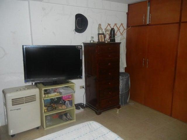 Casa Miranda>Charallave>Colinas de Betania - Venta:65.000 Precio Referencial - codigo: 20-2448