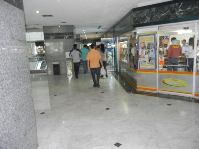 Local Comercial Distrito Metropolitano>Caracas>La Castellana - Venta:80.000 Precio Referencial - codigo: 20-2449