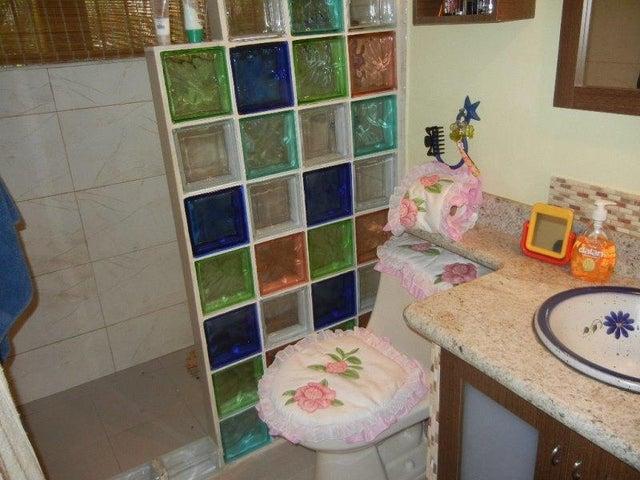 Apartamento Distrito Metropolitano>Caracas>Los Dos Caminos - Venta:150.000 Precio Referencial - codigo: 20-2456