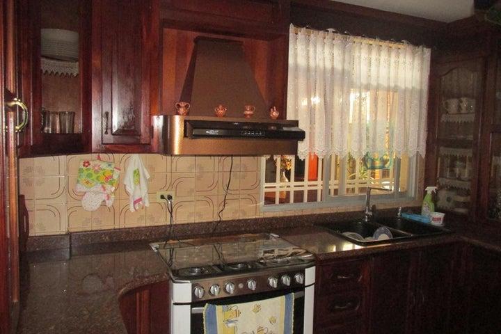 Casa Distrito Metropolitano>Caracas>El Hatillo - Venta:180.000 Precio Referencial - codigo: 20-2511