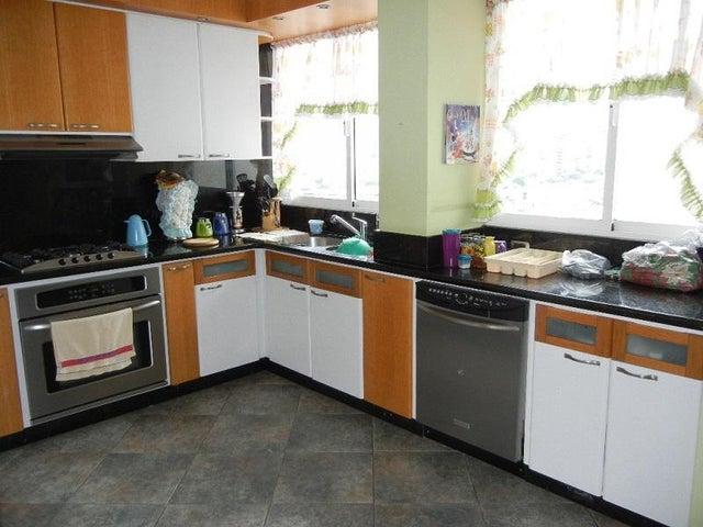 Apartamento Distrito Metropolitano>Caracas>El Marques - Venta:85.000 Precio Referencial - codigo: 20-2528