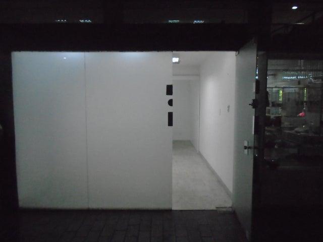 Oficina Distrito Metropolitano>Caracas>Prado Humboldt - Alquiler:180 Precio Referencial - codigo: 20-2889