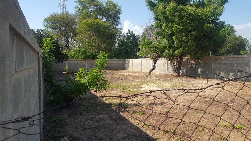 Terreno Zulia>Cabimas>Zulia - Venta:1.500 Precio Referencial - codigo: 20-3008
