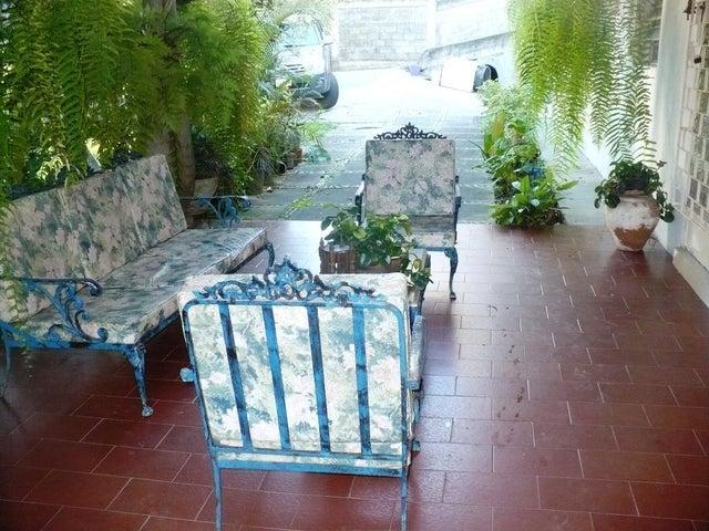 Casa Distrito Metropolitano>Caracas>Oripoto - Venta:200.000 Precio Referencial - codigo: 20-4186