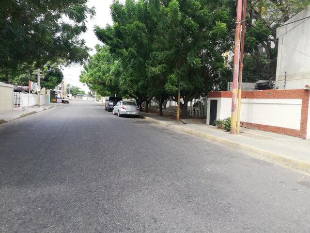 Terreno Zulia>Cabimas>Nueva Delicias - Venta:3.500 Precio Referencial - codigo: 20-3077