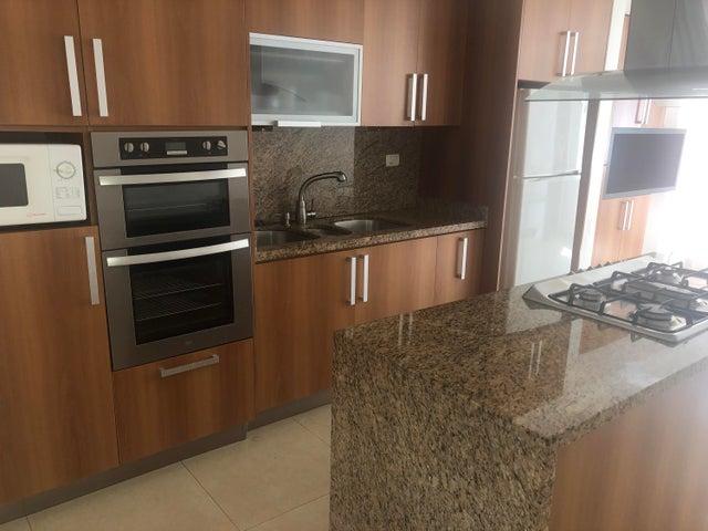 Casa Distrito Metropolitano>Caracas>El Cafetal - Venta:225.000 Precio Referencial - codigo: 20-3795