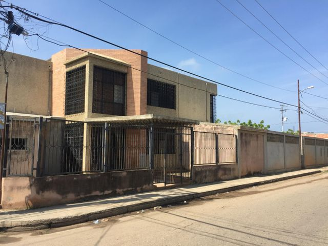Galpon - Deposito Zulia>Ciudad Ojeda>Intercomunal - Venta:120.000 Precio Referencial - codigo: 20-3236