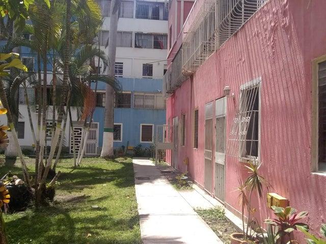 Apartamento Lara>Cabudare>Almarriera - Venta:10.000 Precio Referencial - codigo: 20-3309