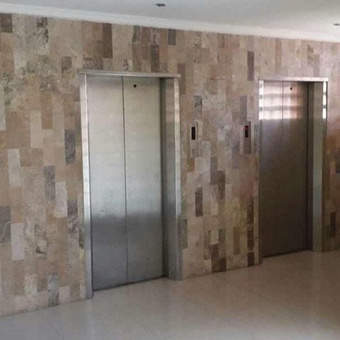 Apartamento Zulia>Maracaibo>Avenida El Milagro - Venta:20.000 Precio Referencial - codigo: 20-3363
