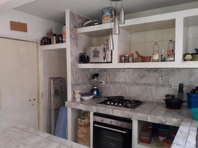 Casa Zulia>Municipio San Francisco>Los Samanes - Venta:6.000 Precio Referencial - codigo: 20-3660