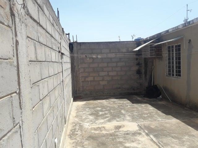 Casa Zulia>Municipio San Francisco>El Soler - Venta:6.000 Precio Referencial - codigo: 20-3663