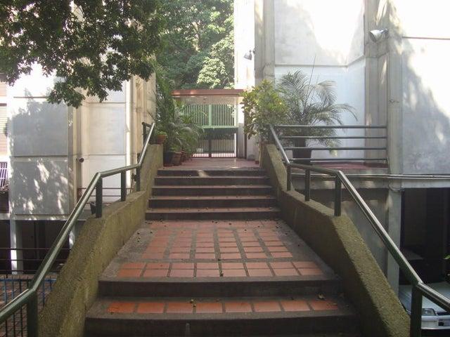 Apartamento Distrito Metropolitano>Caracas>El Bosque - Venta:28.000 Precio Referencial - codigo: 20-3674