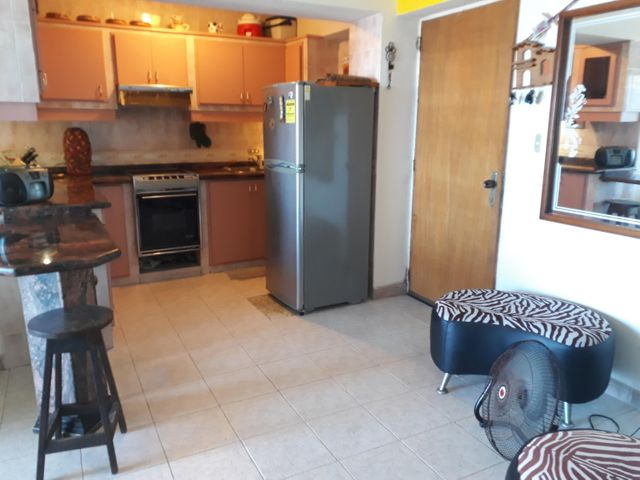 Apartamento Vargas>Parroquia Caraballeda>Caribe - Venta:20.000 Precio Referencial - codigo: 20-3698