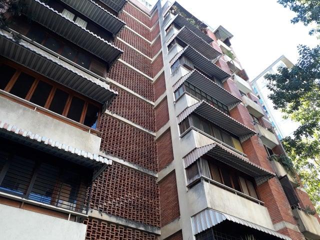 Apartamento Distrito Metropolitano>Caracas>Chuao - Venta:70.000 Precio Referencial - codigo: 20-3710