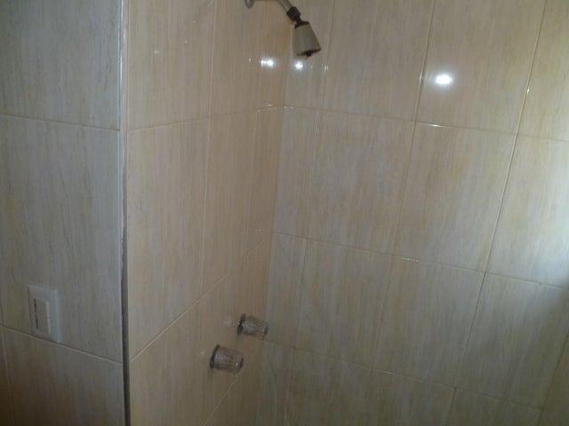 Apartamento Carabobo>Valencia>El Bosque - Venta:35.000 Precio Referencial - codigo: 20-3742