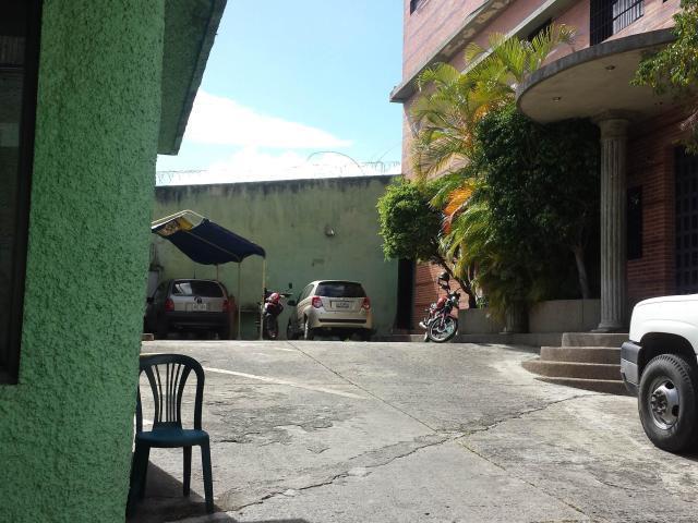 Galpon - Deposito Distrito Metropolitano>Caracas>La Yaguara - Alquiler:1.800 Precio Referencial - codigo: 20-3746