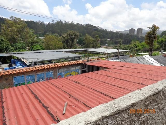 Negocios y Empresas Miranda>Los Teques>Municipio Guaicaipuro - Venta:200.000 Precio Referencial - codigo: 20-4024
