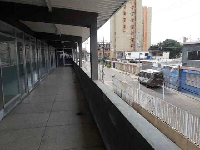 Local Comercial Zulia>Maracaibo>Avenida Bella Vista - Alquiler:85 Precio Referencial - codigo: 20-4101