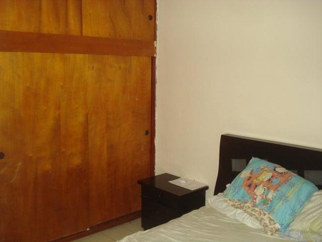 Apartamento Miranda>Guarenas>Nueva Casarapa - Venta:14.000 Precio Referencial - codigo: 20-4163