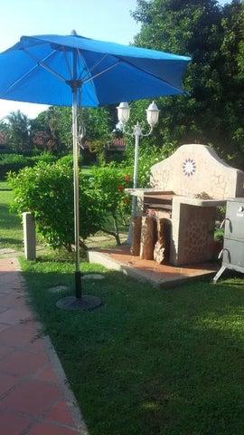 Townhouse Miranda>Higuerote>Palm Beach - Venta:20.000 Precio Referencial - codigo: 20-4168