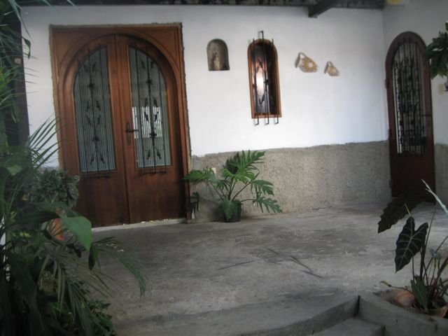 Casa Miranda>Guatire>El Castillejo - Venta:39.000 Precio Referencial - codigo: 20-4172