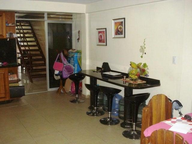 Townhouse Miranda>Guarenas>Nueva Casarapa - Venta:45.000 Precio Referencial - codigo: 20-4173