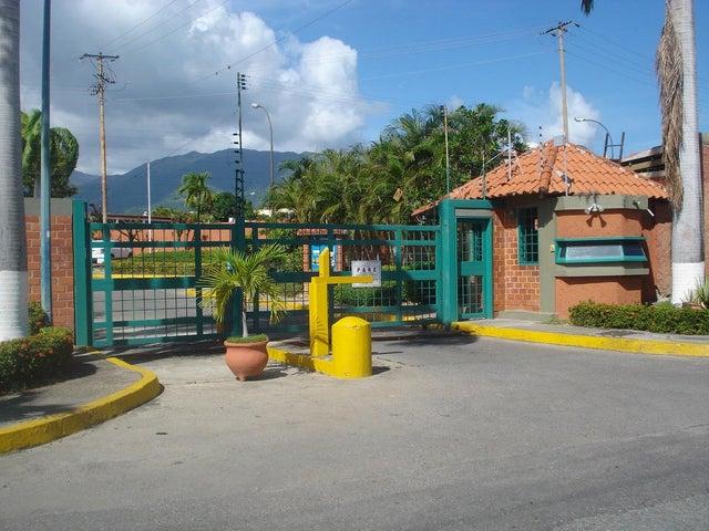Casa Miranda>Guatire>El Castillejo - Venta:90.000 Precio Referencial - codigo: 20-4176