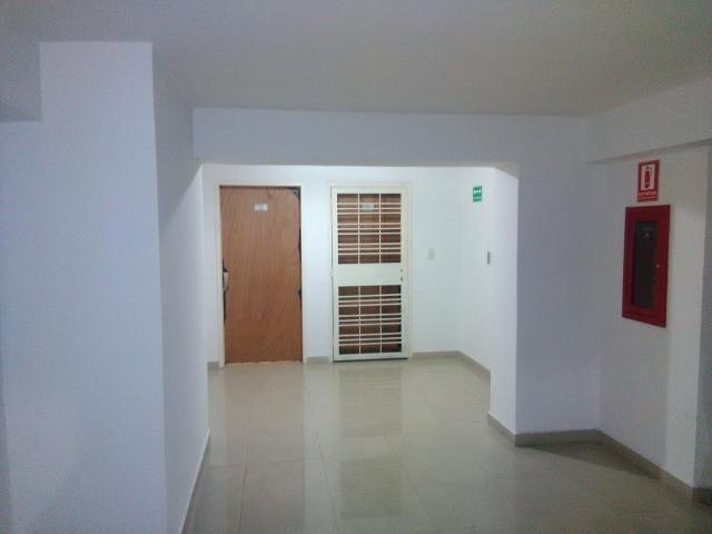 Apartamento Aragua>Maracay>Los Chaguaramos - Venta:28.000 Precio Referencial - codigo: 20-4183