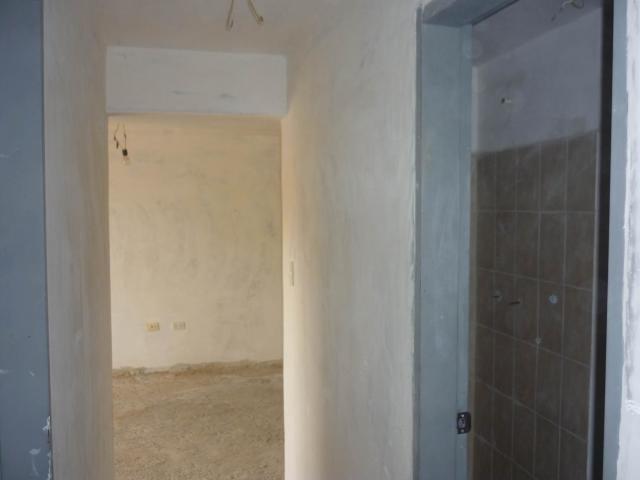Apartamento Aragua>Maracay>Los Chaguaramos - Venta:25.000 Precio Referencial - codigo: 20-4183
