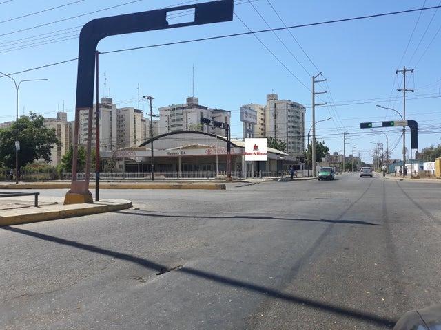 Local Comercial Zulia>Cabimas>Calle Chile - Alquiler:1.500 Precio Referencial - codigo: 20-4209