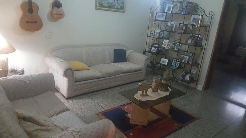 Casa Zulia>Ciudad Ojeda>Los Samanes - Venta:20.000 Precio Referencial - codigo: 20-4214