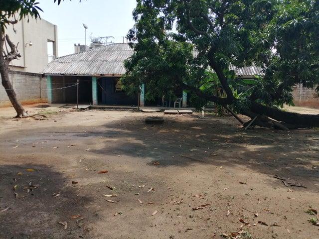 Casa Zulia>Ciudad Ojeda>La Tropicana - Venta:38.000 Precio Referencial - codigo: 20-4219