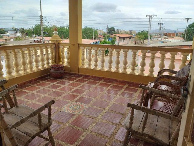 Casa Falcon>Coro>La Velita - Venta:16.000 Precio Referencial - codigo: 20-4230