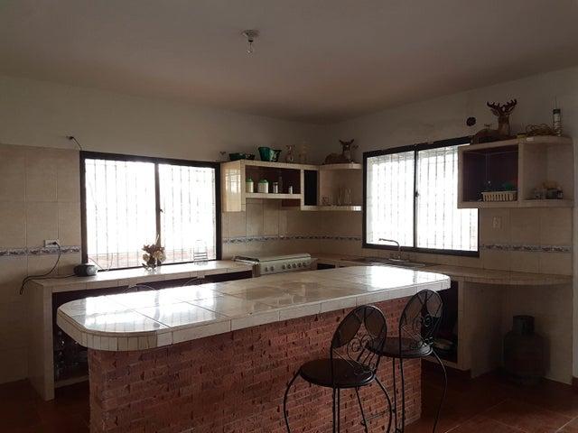 Casa Falcon>Cumarebo>Centro - Venta:20.000 Precio Referencial - codigo: 20-4241