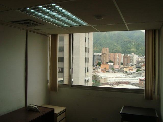 Oficina Distrito Metropolitano>Caracas>Los Cortijos de Lourdes - Venta:800 Precio Referencial - codigo: 20-4255