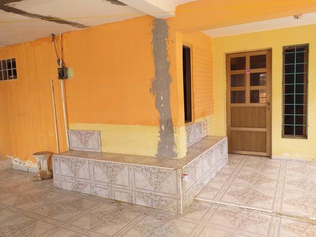 Casa Falcon>Coro>Las Eugenias - Venta:7.000 Precio Referencial - codigo: 20-4252