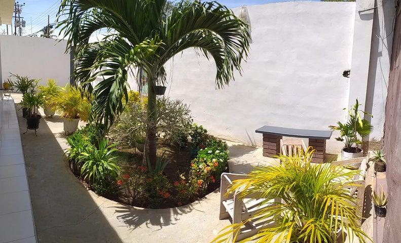 Casa Falcon>La Vela de Coro>Intercomunal Coro La Vela - Venta:18.000 Precio Referencial - codigo: 20-4247