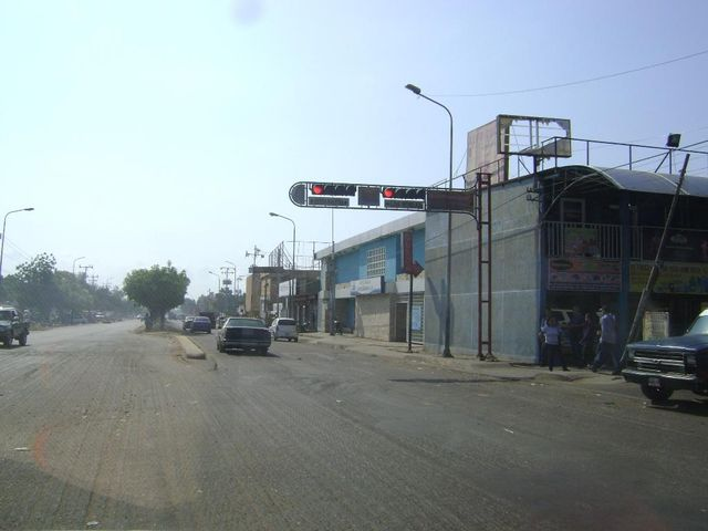 Local Comercial Zulia>Municipio San Francisco>Zona Industrial - Alquiler:50 Precio Referencial - codigo: 20-4260