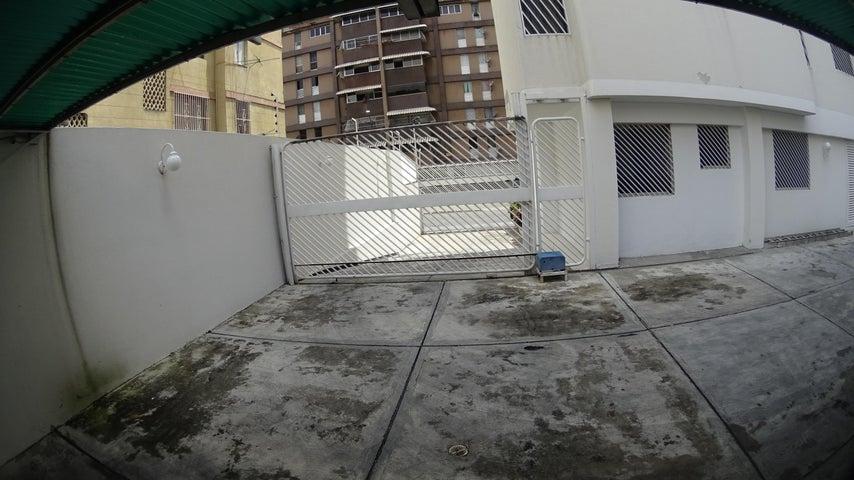 Apartamento Distrito Metropolitano>Caracas>Las Acacias - Venta:110.000 Precio Referencial - codigo: 20-4267