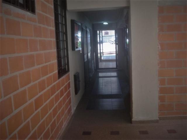 Apartamento Miranda>San Antonio de los Altos>Parque el Retiro - Venta:55.000 Precio Referencial - codigo: 20-4235