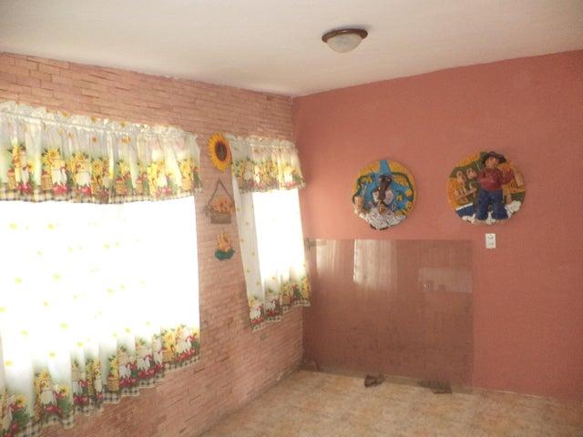 Casa Carabobo>Municipio Los Guayos>Paraparal - Venta:16.000 Precio Referencial - codigo: 20-4842