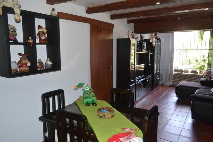 Apartamento Distrito Metropolitano>Caracas>Montalban III - Venta:38.000 Precio Referencial - codigo: 20-4785