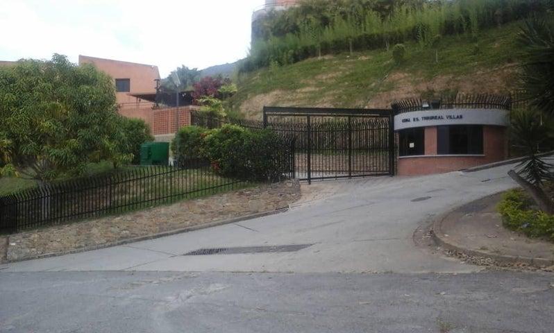 Townhouse Distrito Metropolitano>Caracas>La Trinidad - Venta:740.000 Precio Referencial - codigo: 20-4419