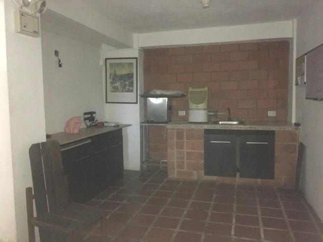 Local Comercial Miranda>Municipio Guaicaipuro>Parcelamiento Cortada del guayabo - Alquiler:2.000 Precio Referencial - codigo: 20-4433